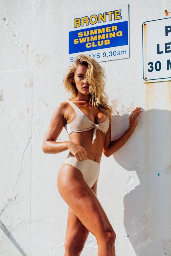 Georgia Gibbs Sexy (17 Photos)