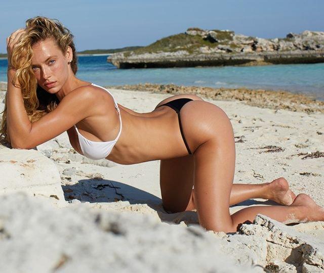 Topless hannah ferguson Hannah Ferguson