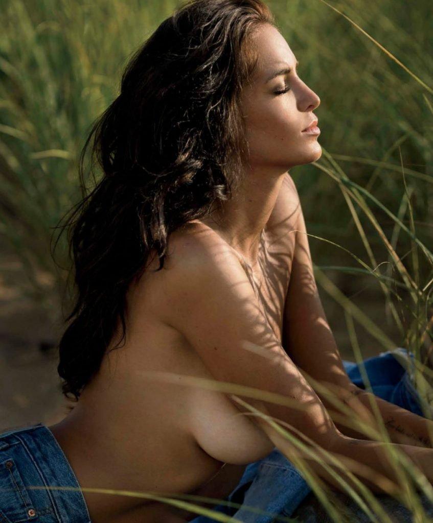 Jade Lagardere Sexy & Topless (10 Photos)