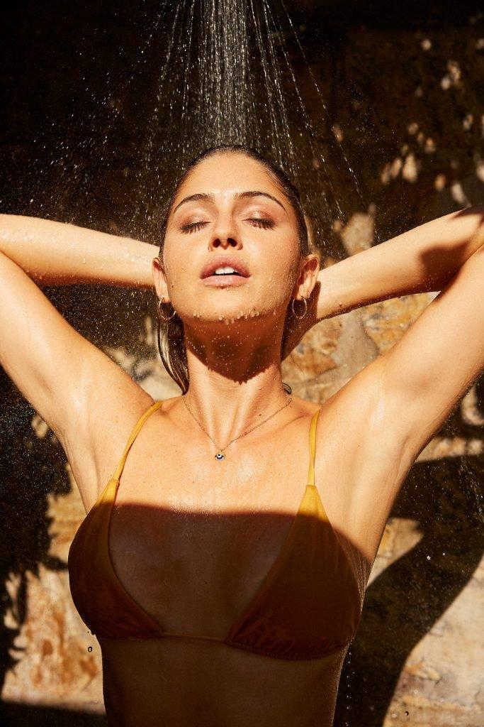 Jehane Paris Sexy & Topless (3 Photos)