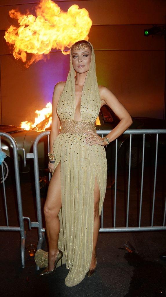 Joanna Krupa Braless (18 Photos + Video)