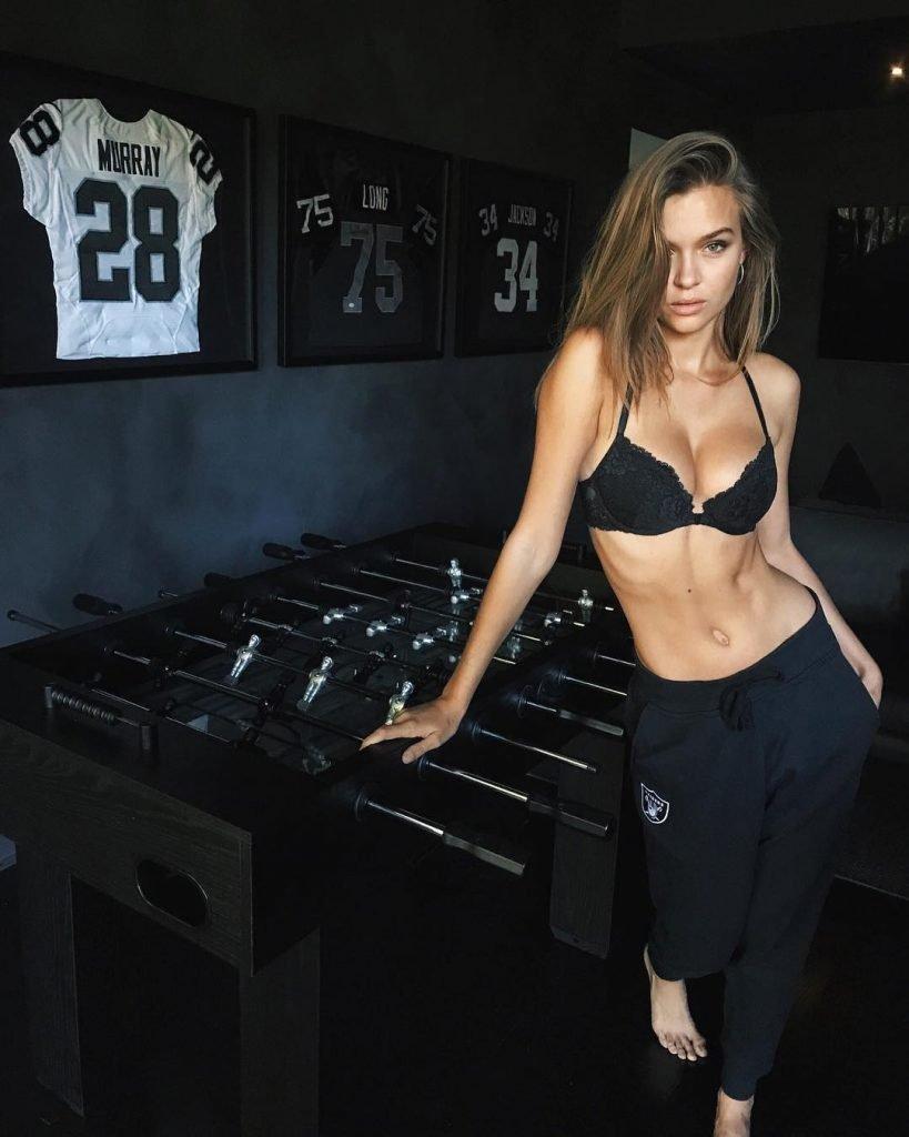 Josephine Skriver Sexy (14 New Photos)