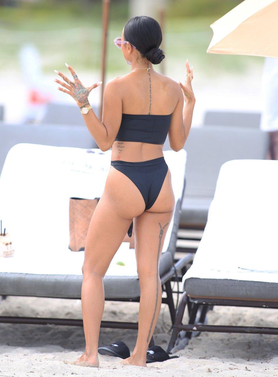 Beach nice ass 5 2015 - 2 part 3