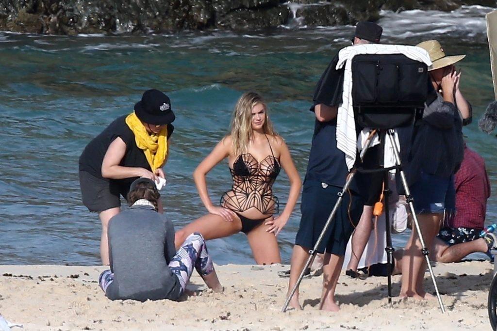 Kate Upton Sexy & Topless (38 Photos)