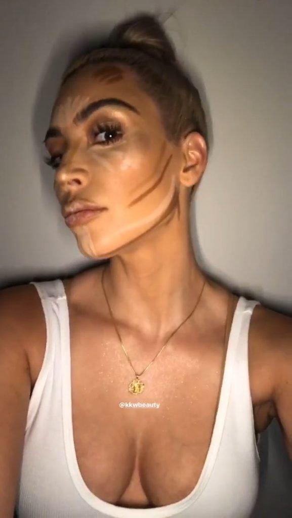 Kim Kardashian Sexy (15 Photos + Gif & Video)