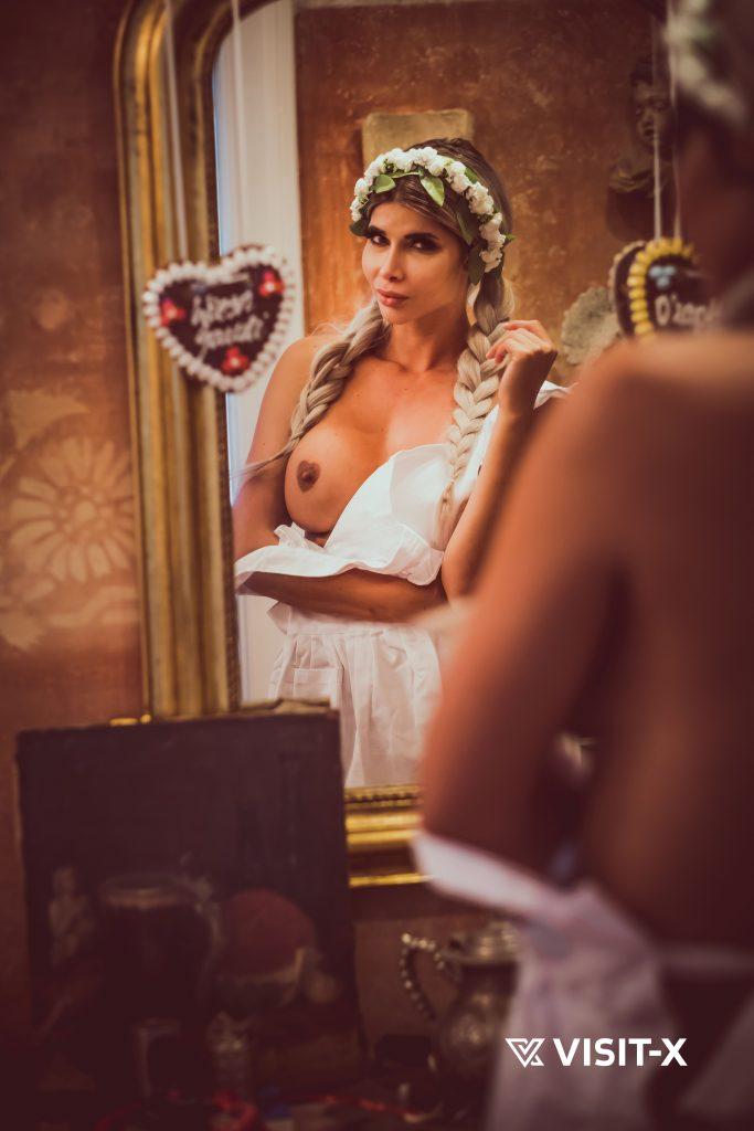 Micaela Schäfer Topless & Sexy (12 Photos)