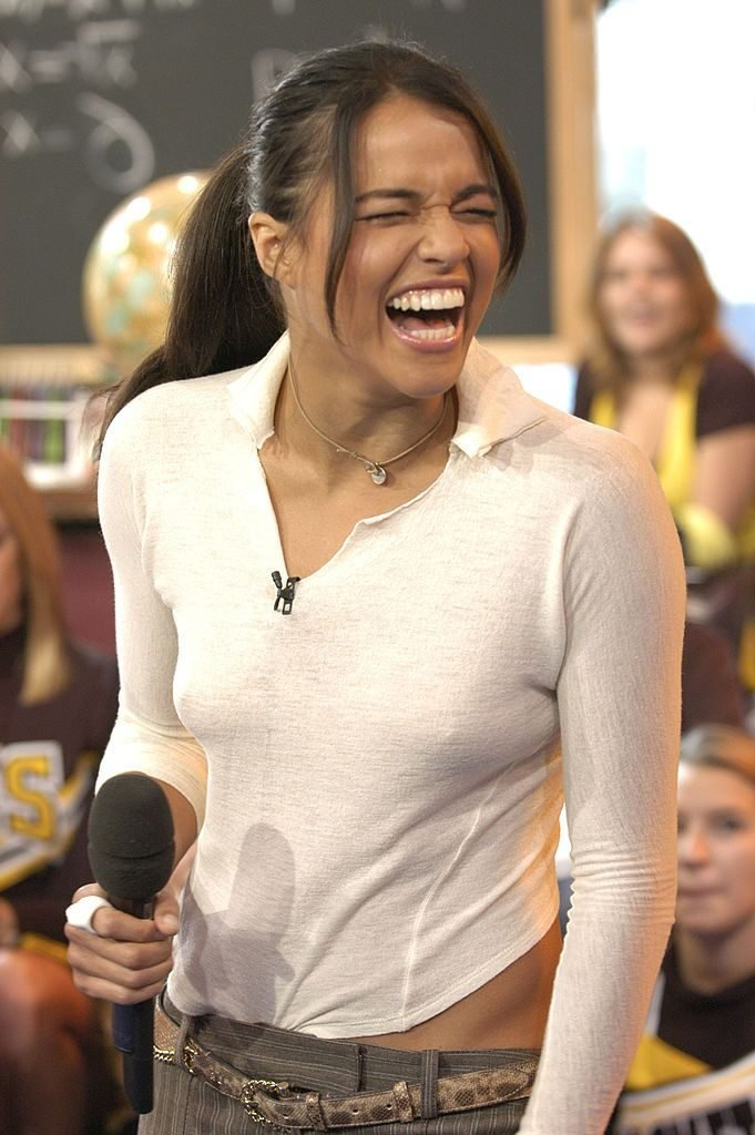 Michelle Rodriguez Braless (7 Photos + Video)