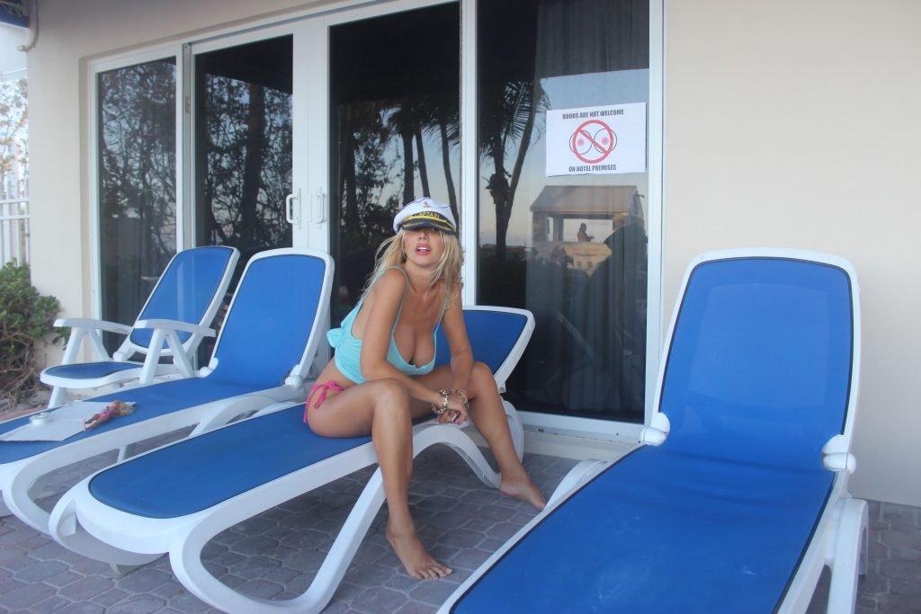 Nadeea Volianova Sexy & Topless (21 Photos + Videos)