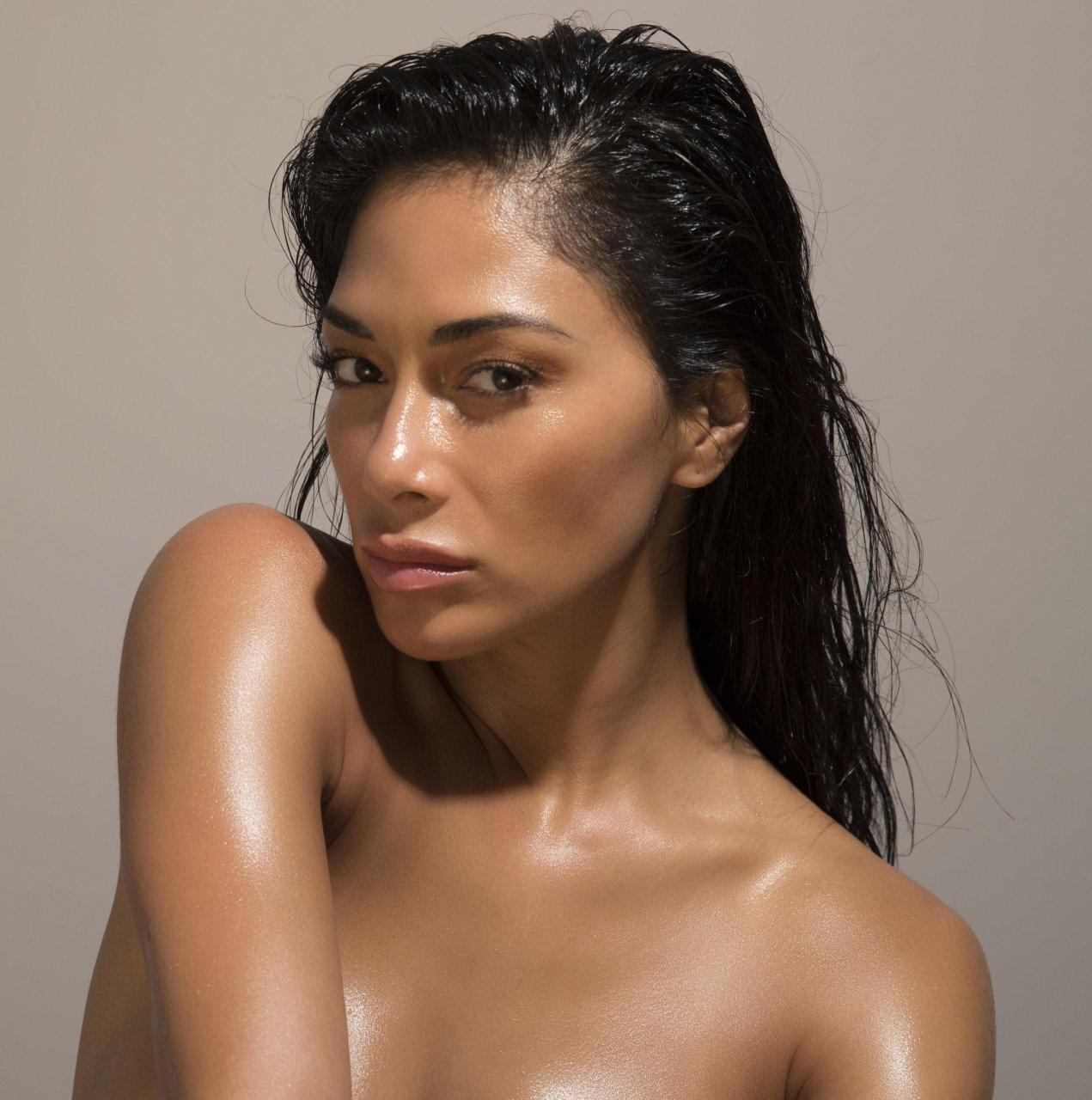 Nicole Sexy 98