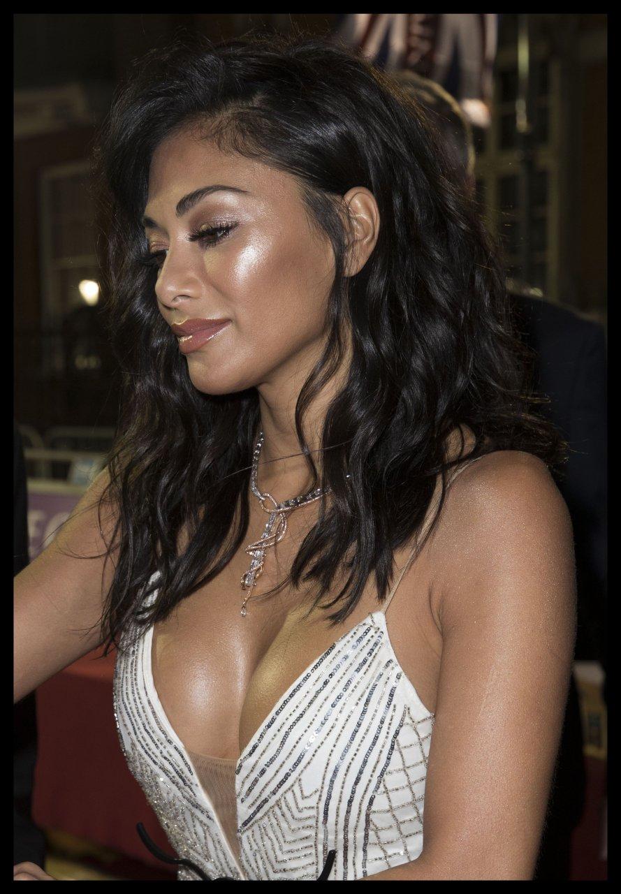Nicole scherzinger boobs