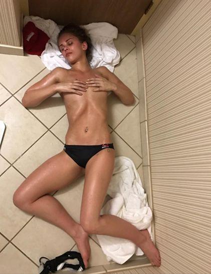 Small women big pussy