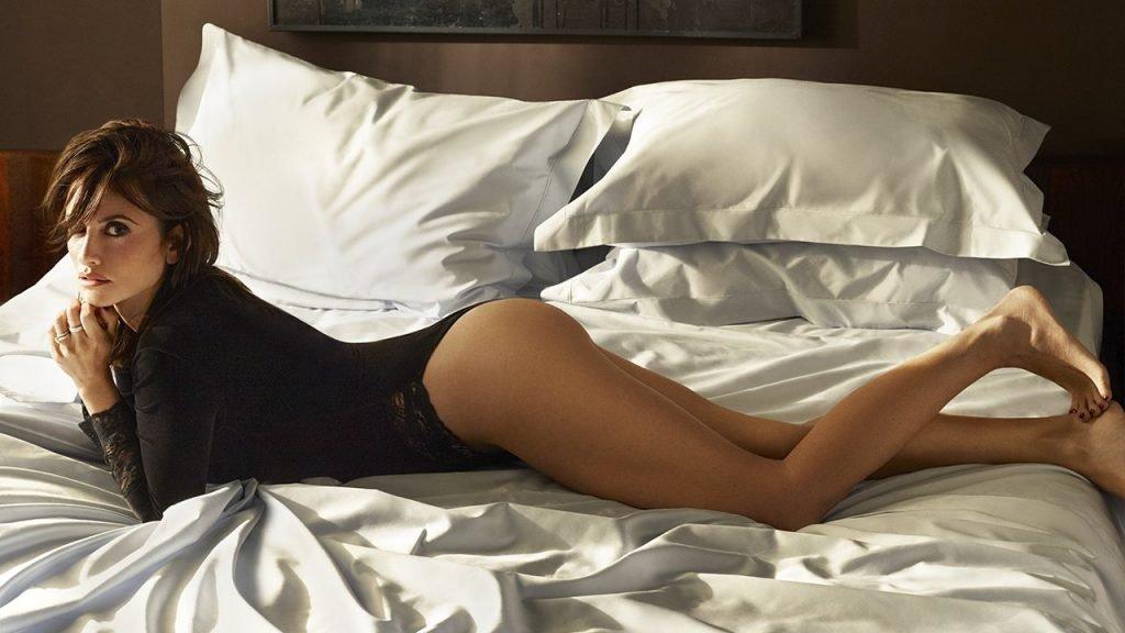 Penelope Cruz Sexy (5 Photos)