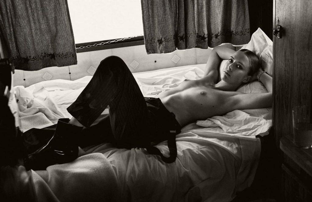 Raquel Zimmermann Topless (1 Photo)