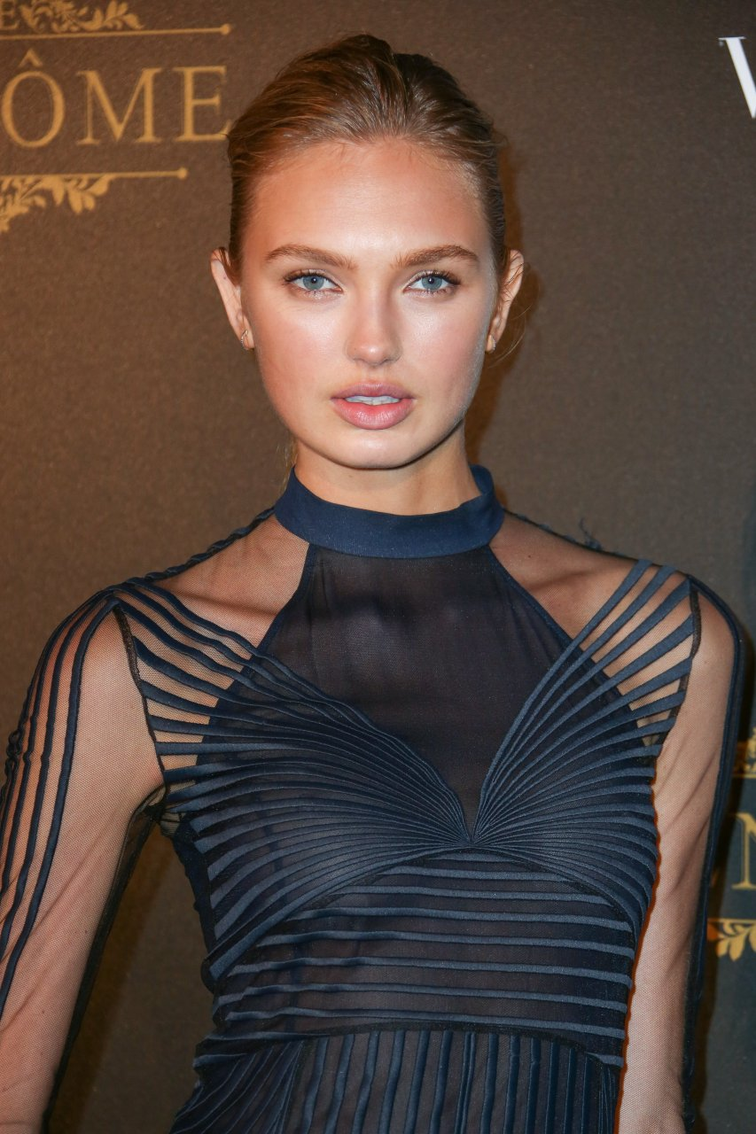 romee strijd see through 11 photos thefappening. Black Bedroom Furniture Sets. Home Design Ideas