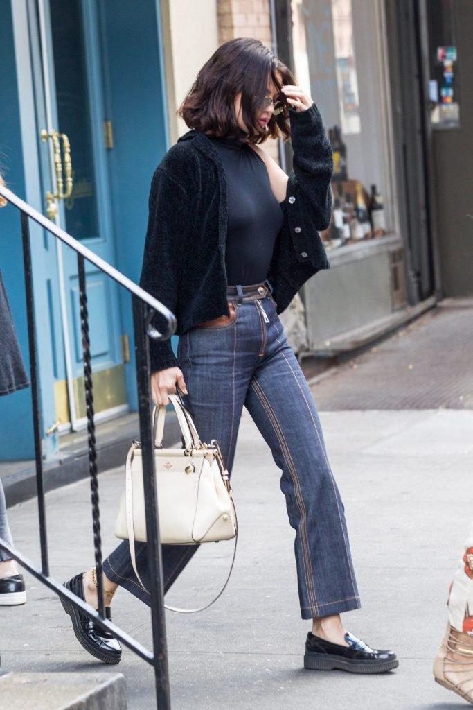 Selena Gomez Braless (39 Photos + Video)