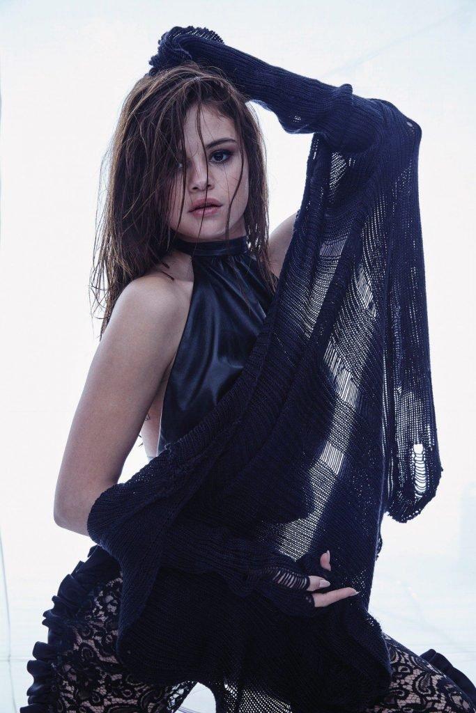 Selena Gomez Sexy (78 Photos + Video)