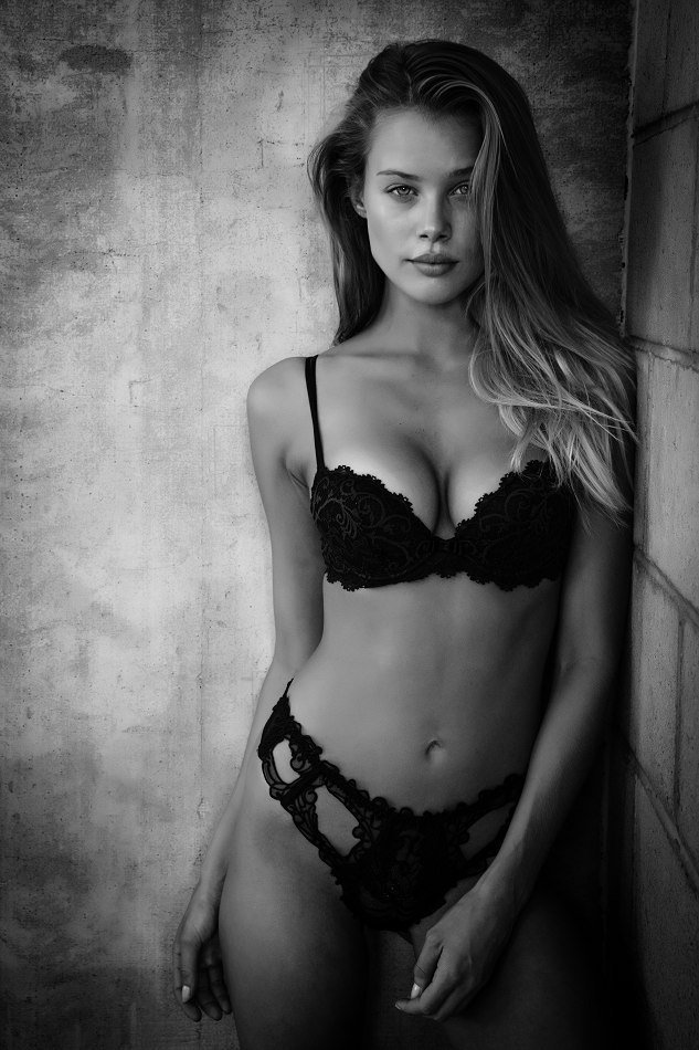 Allie Leggett - Miss Kentucky Nude For Playboy US Magazine
