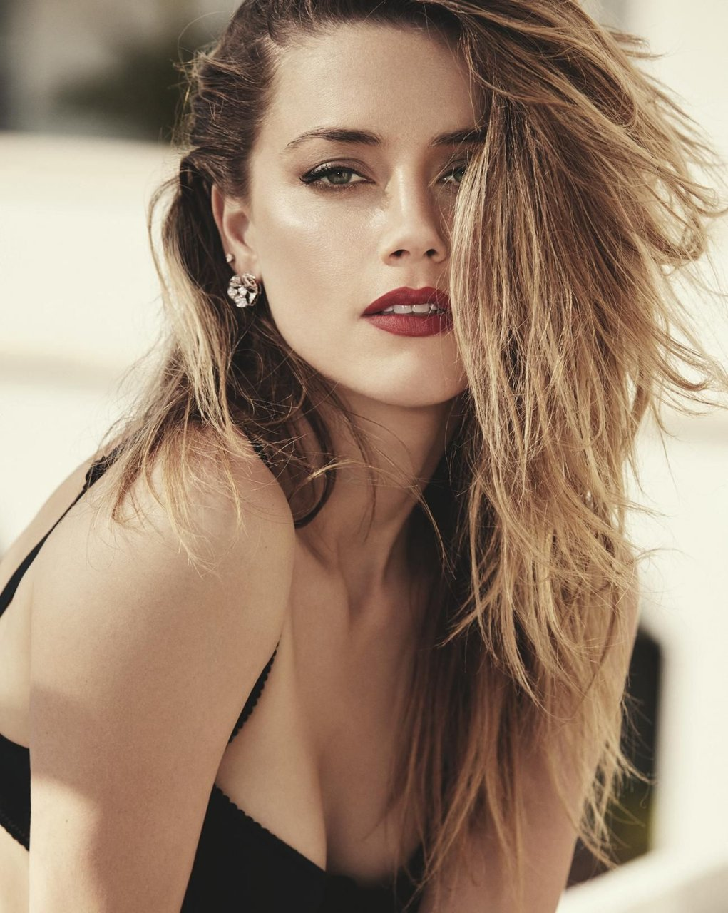 Amber Heard Sexy (6 Photos) | #TheFappening