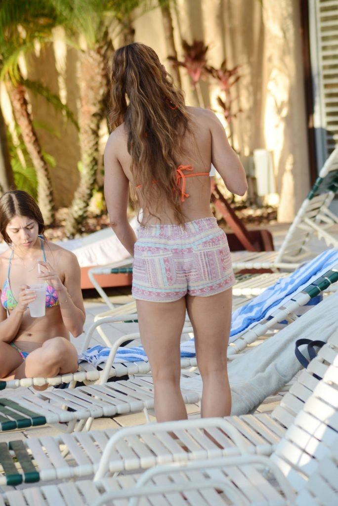 Anais Zanotti, Nicole Caridad Sexy & Topless (37 Photos)