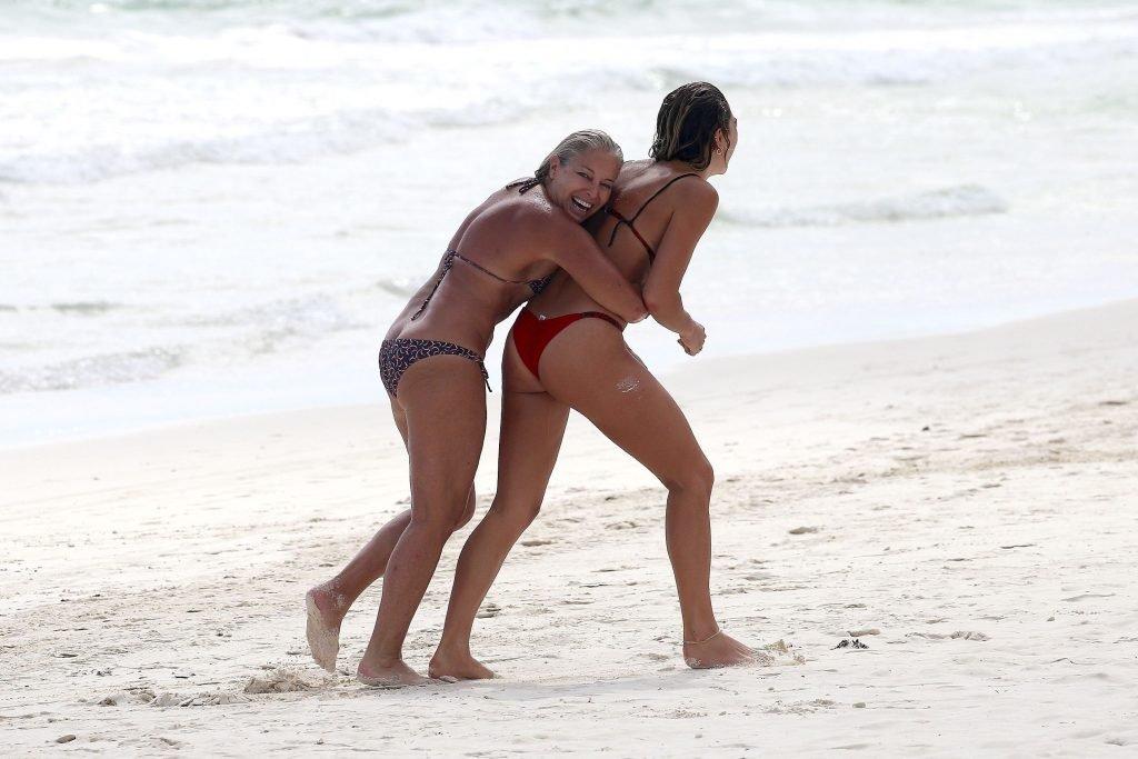 Ashley Hart Sexy (67 Photos)