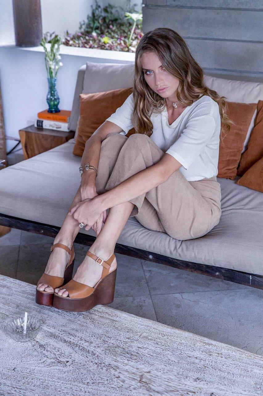 Sideboobs Juliana Aguiar nude photos 2019