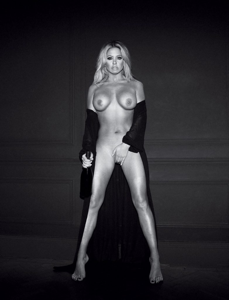 Bianca Gascoigne Nude (2 Photos)