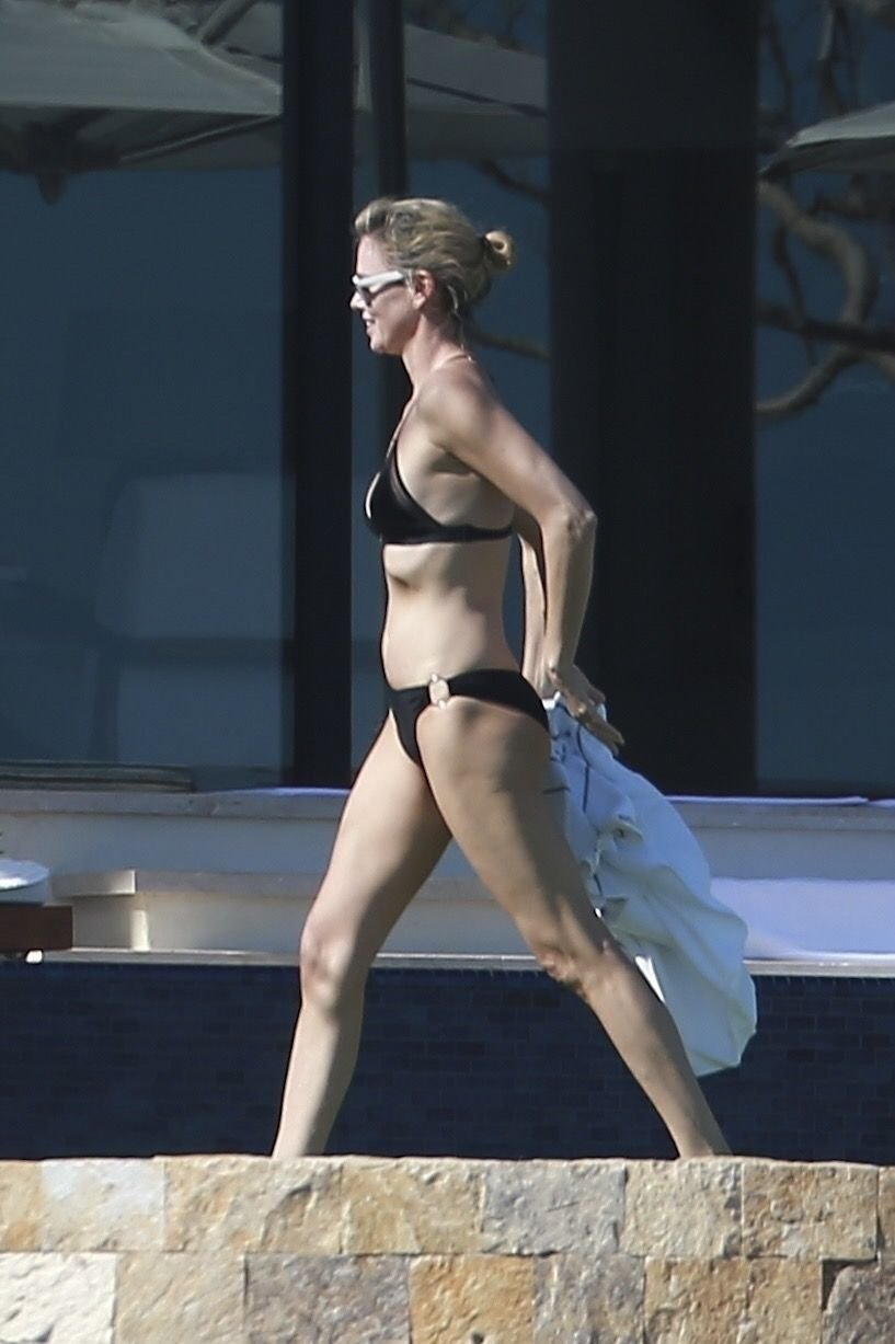 charlize theron hot naked posts