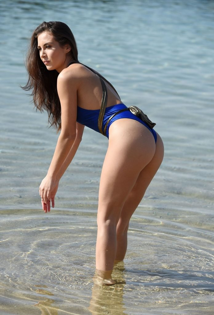 Chloe Goodman Sexy (33 Photos)