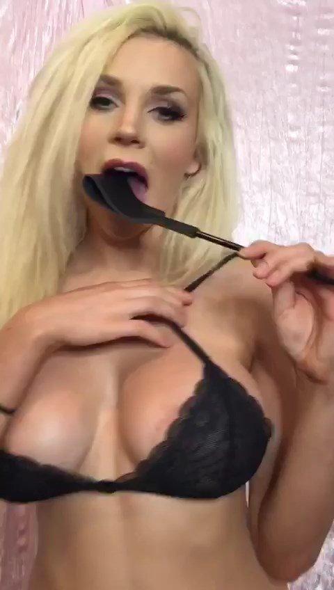 Courtney Stodden Sexy (9 Pics + Gif)