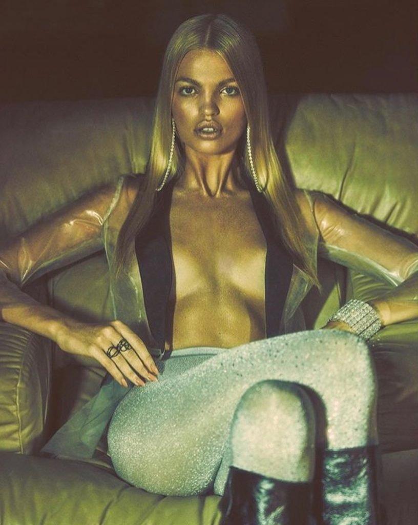 Daphne Groeneveld Sexy (2 Photos)