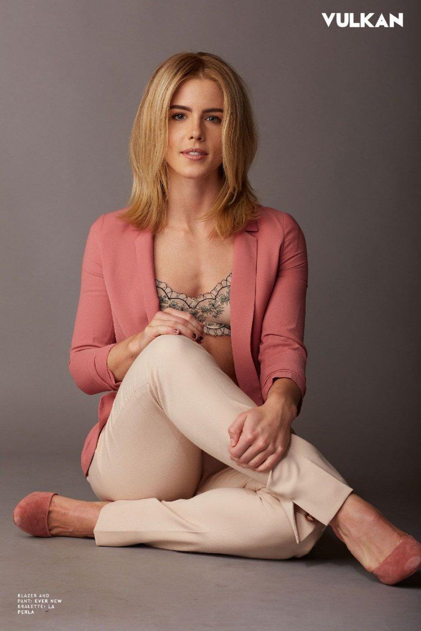 Emily Bett Rickards Sexy (9 Photos) | #TheFappening