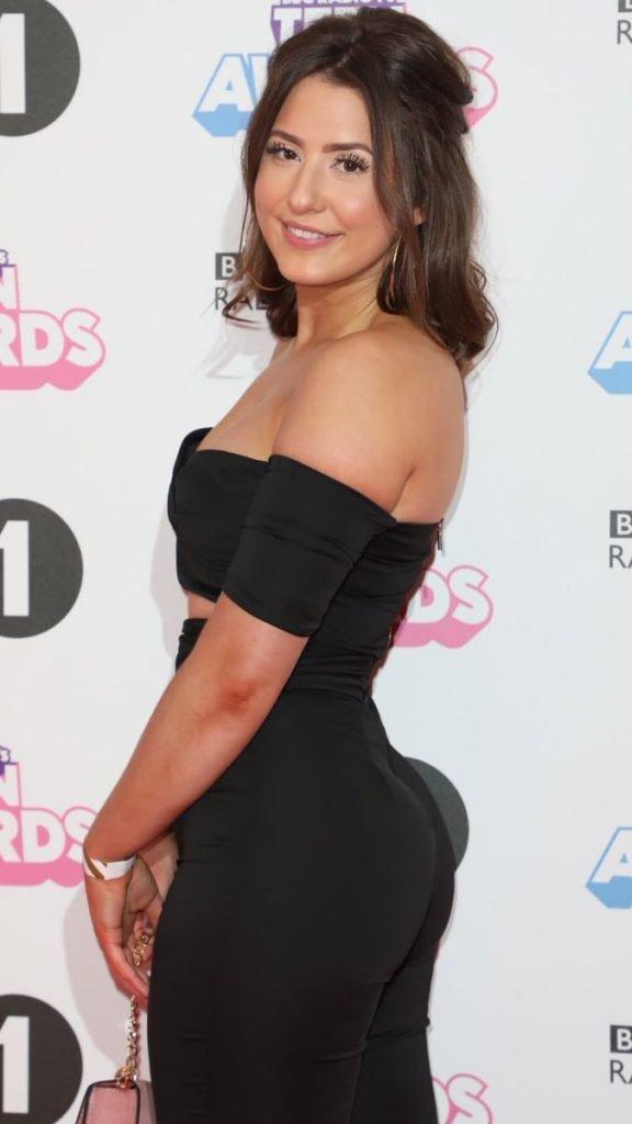 Jasmine Armfield Sexy (19 Photos)