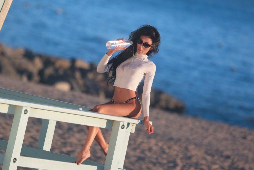 Jeana Turner See Through & Sexy (18 Photos + Video)