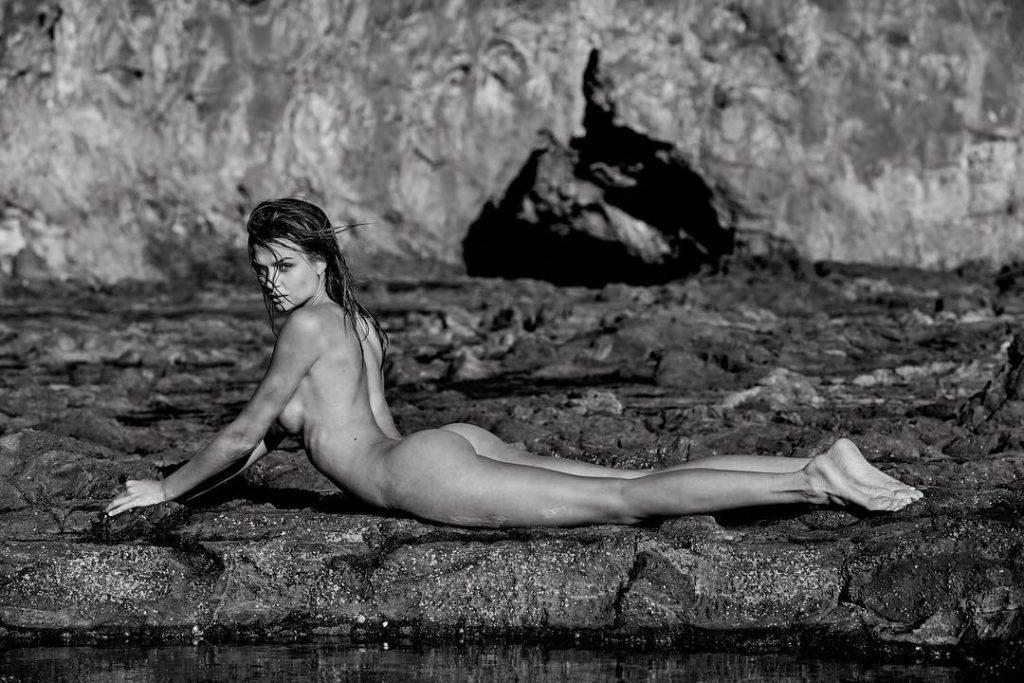 Josephine Skriver Nude (1 Photo)