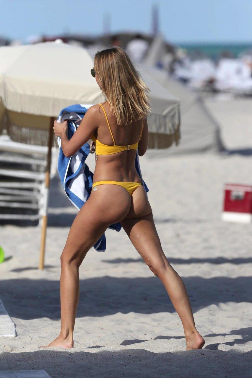 Topic, pleasant Kimberley garner bikini ass good idea