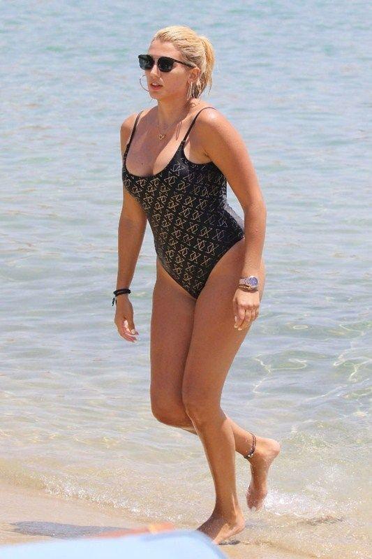 Konstantina Spyropoulou Sexy (8 Photos)