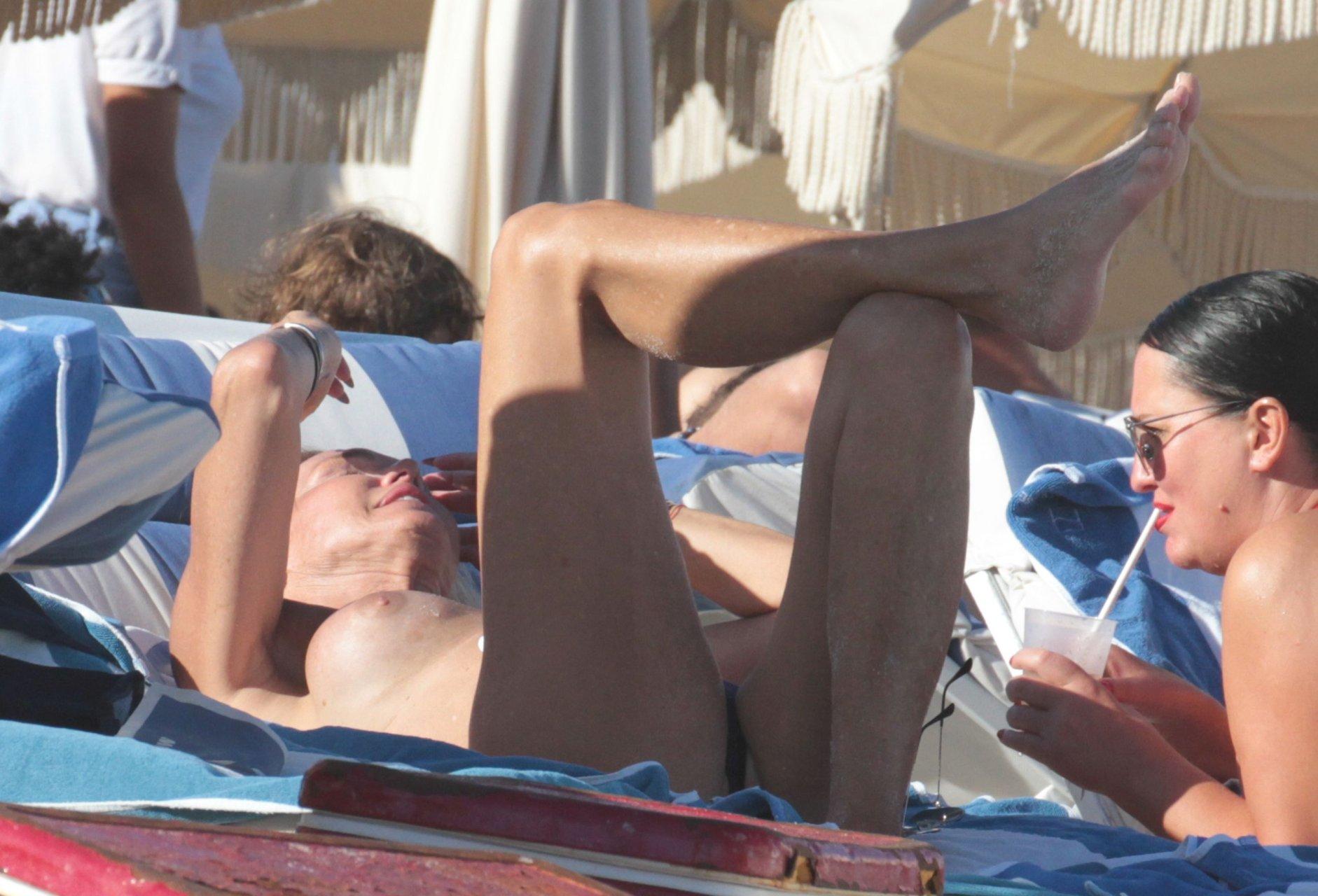 Boobs Lauren Foster Nude Pics