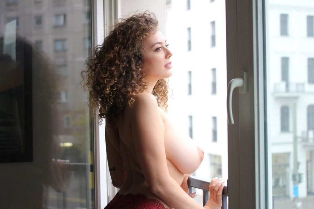 Best Leila Lowfire Nude Pics Pic