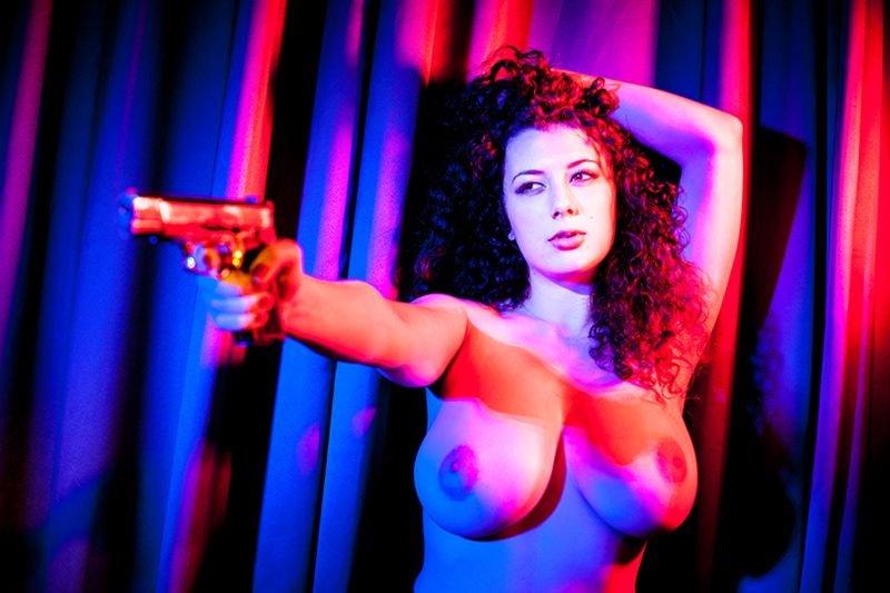 Leila Lowfire Brüste