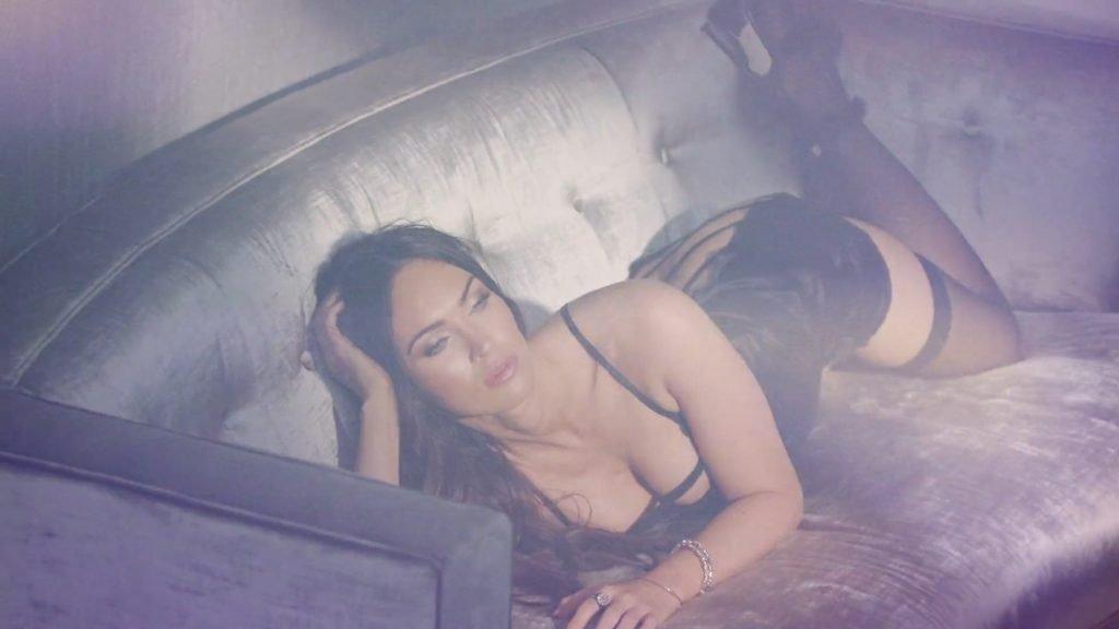 Megan Fox Sexy (18 Photos + Video)