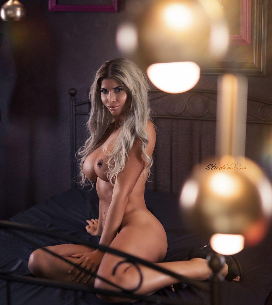 Micaela Schäfer Naked (3 Photos)