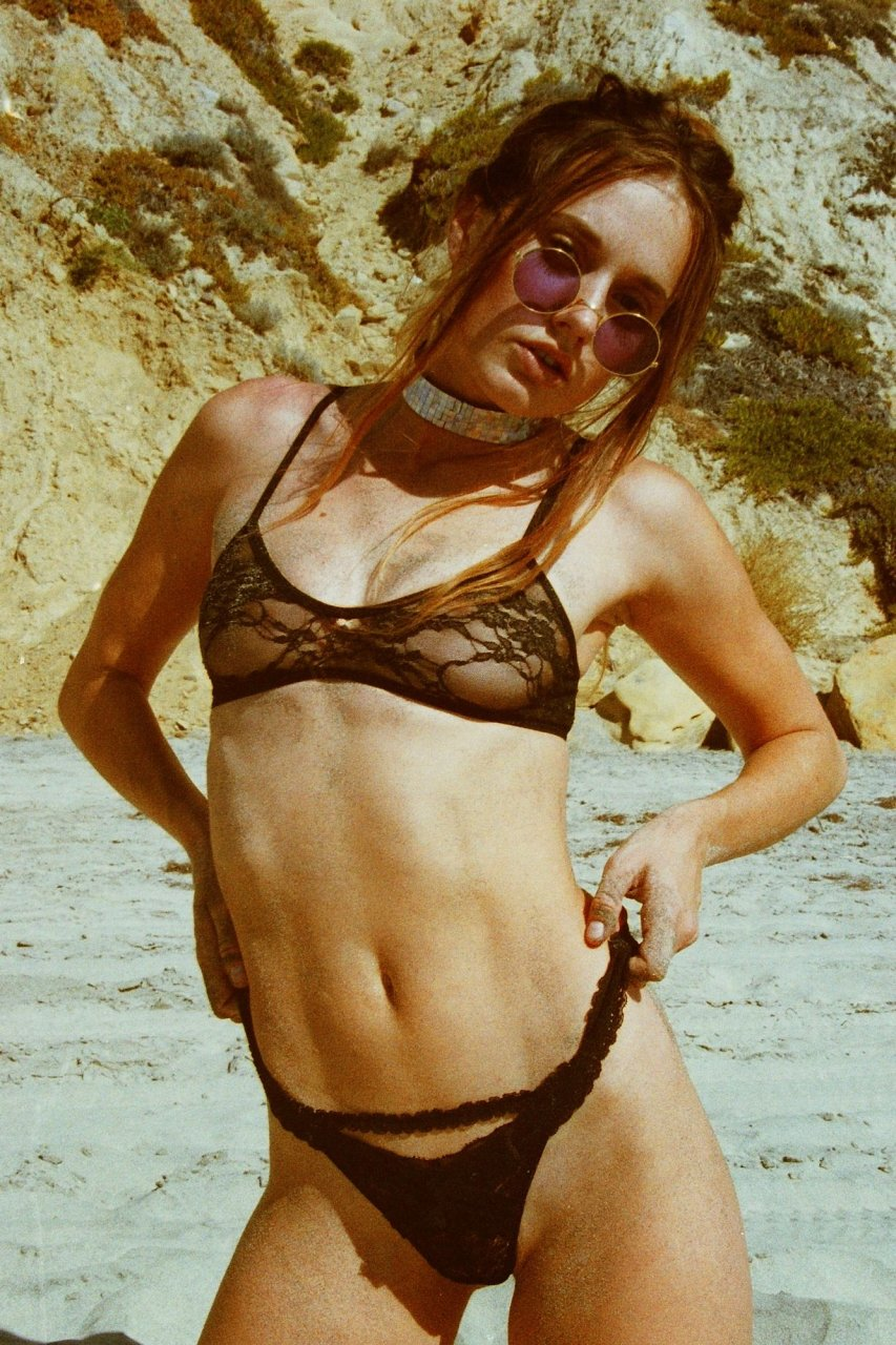 Olivia North Sexy & Topless (20 Photos)   #TheFappening
