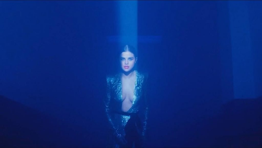 Selena Gomez Sexy (23 Pics + Gif & Video)