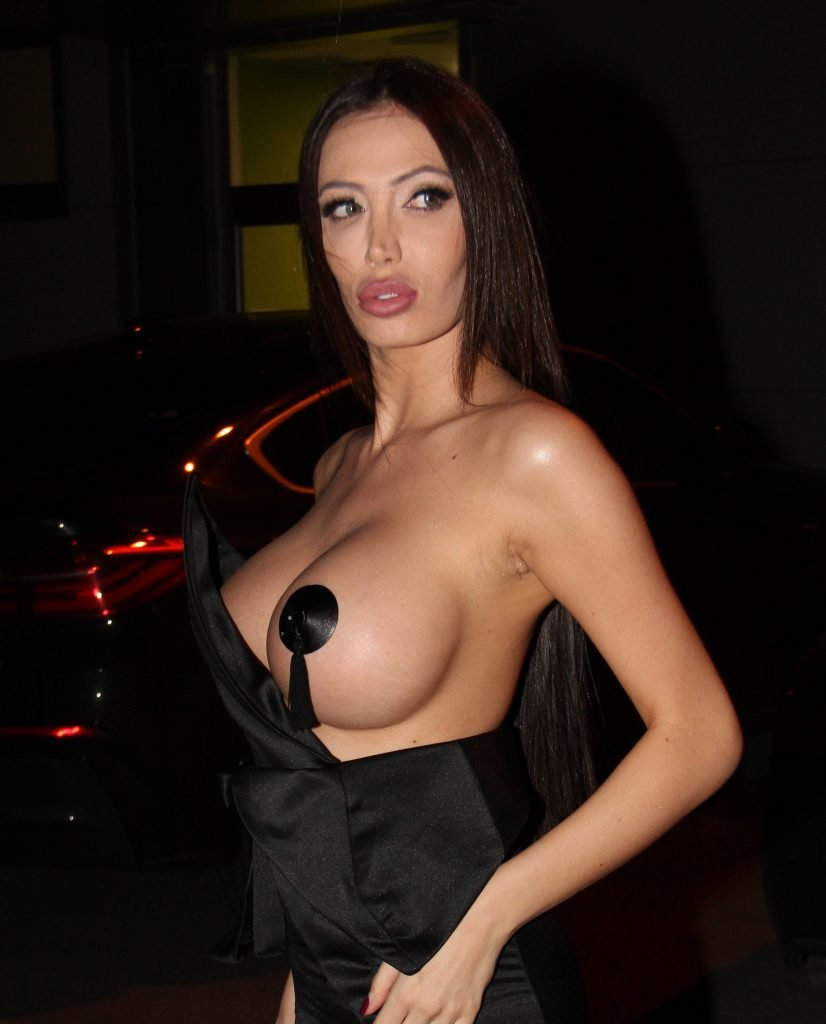 Soraja Vucelic Topless (12 Photos)