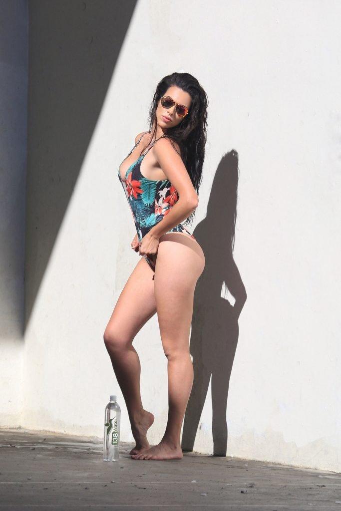 Tania Marie Sexy (44 Photos + Video)