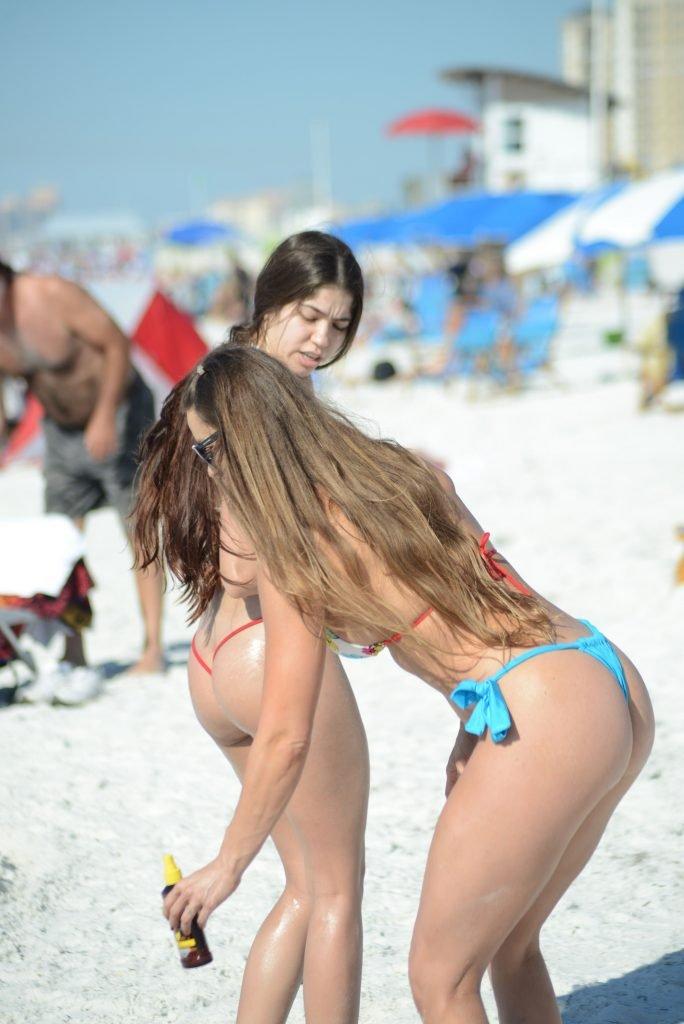 Anais Zanotti & Nicole Caridad Sexy (37 Photos)