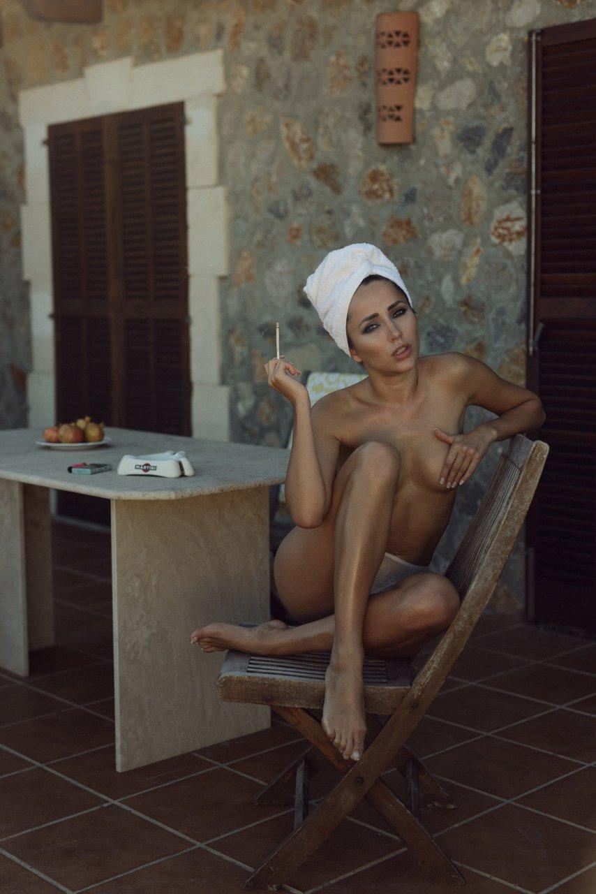 Self american bikini shave