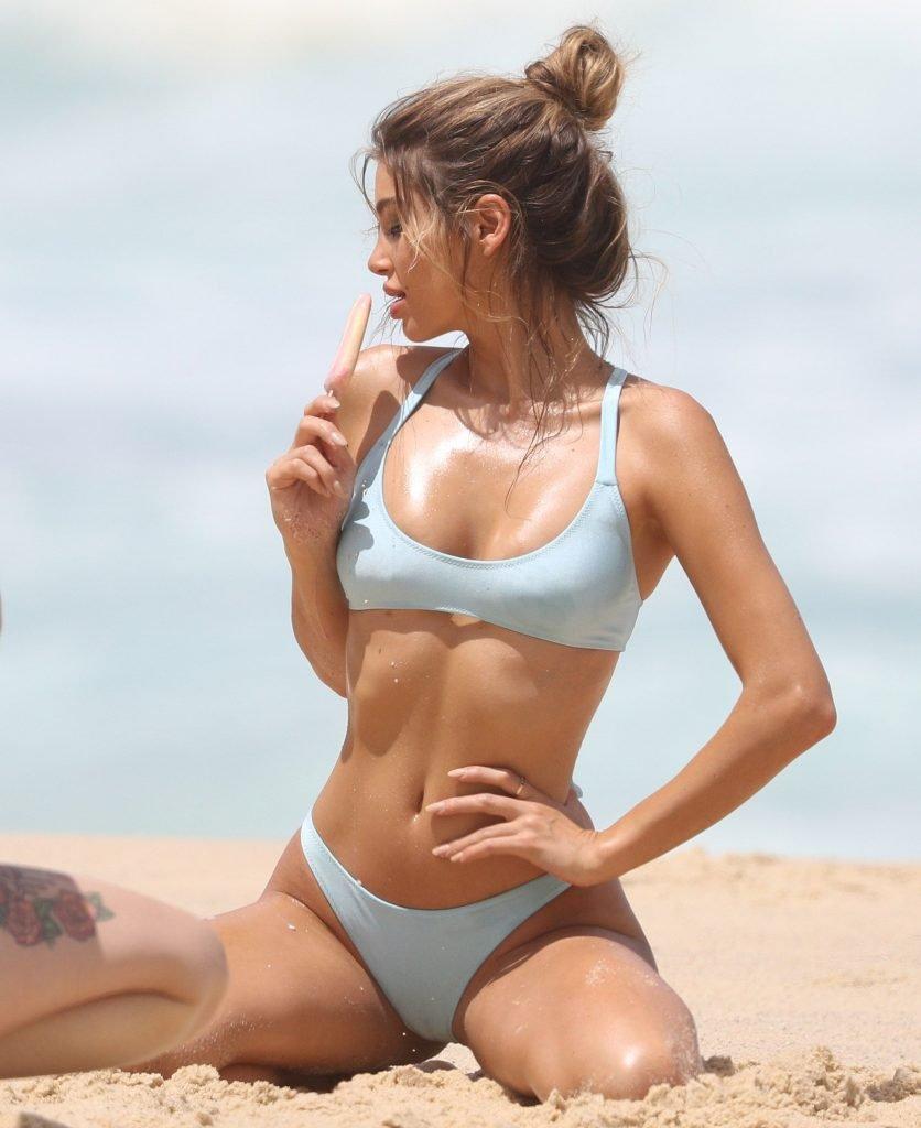 Belle Lucia Sexy (45 Photos)