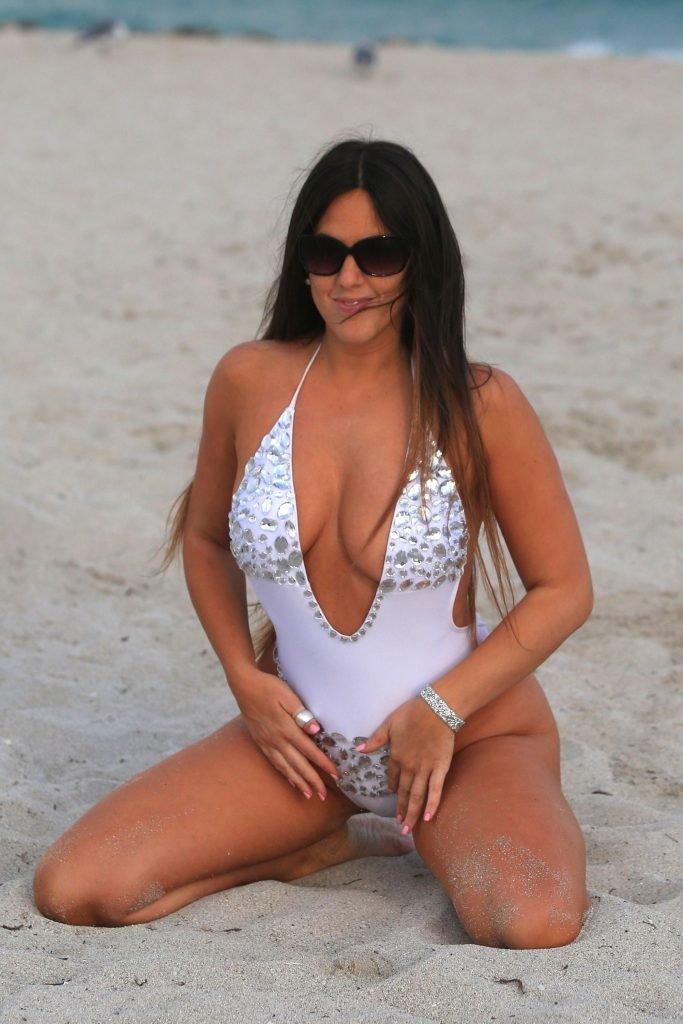 Claudia Romani Sexy (40 Photos + Gif & Video)