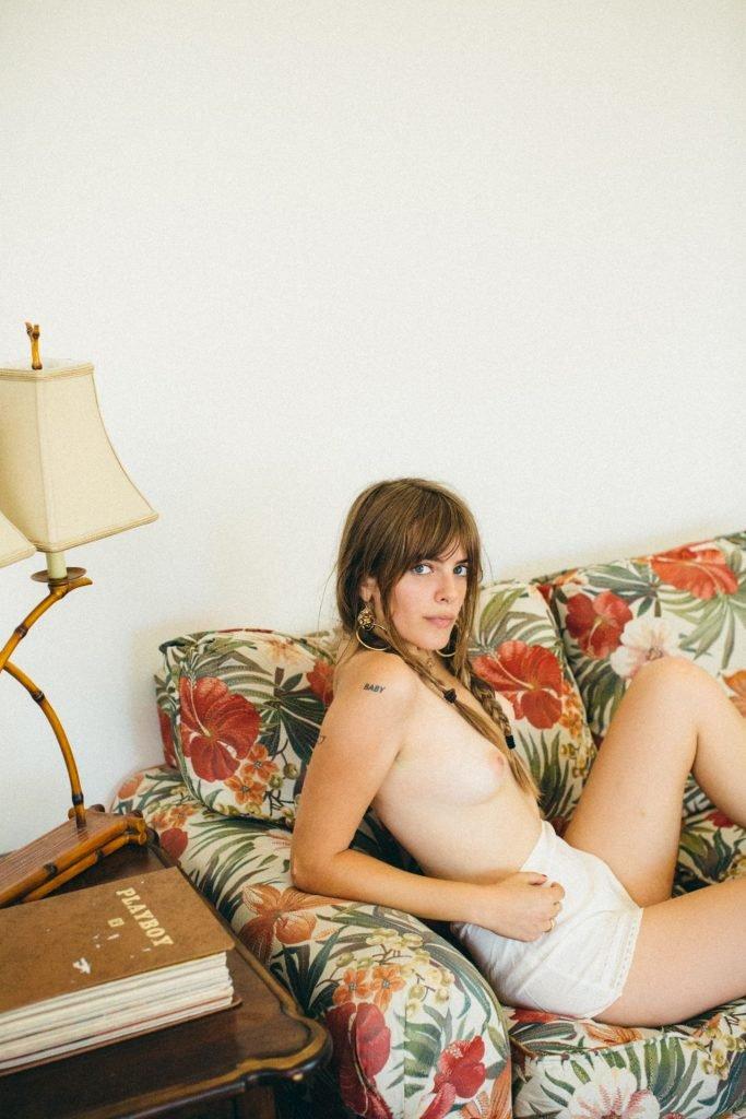 Emily Labowe Nude & Sexy (8 Photos)